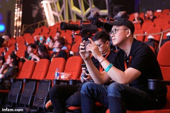 湖南卫视综艺节目导演洪涛在《幻乐之城》中担任监制